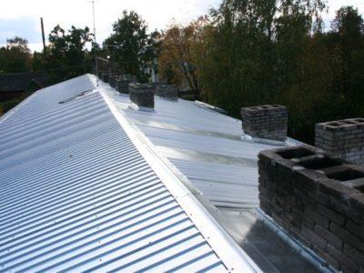 Katusetööd, katuse ehitus, trapetsprofiil katuseplekk, plekkkatuse paigaldus, plekk katuse vahetus, renoveerimine
